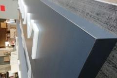 Caisson en Dibond ® avec lettres LED
