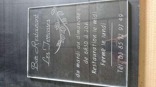 plaque horraires Plexiglas gravée